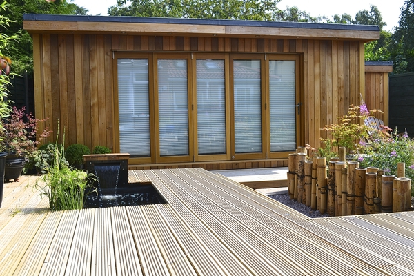 Closed 12ft Prestige Real Oak Bifold Doors