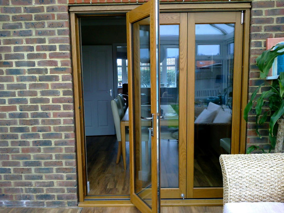 Outside, closed view of an Elite 6ft Bifoilding Door Set