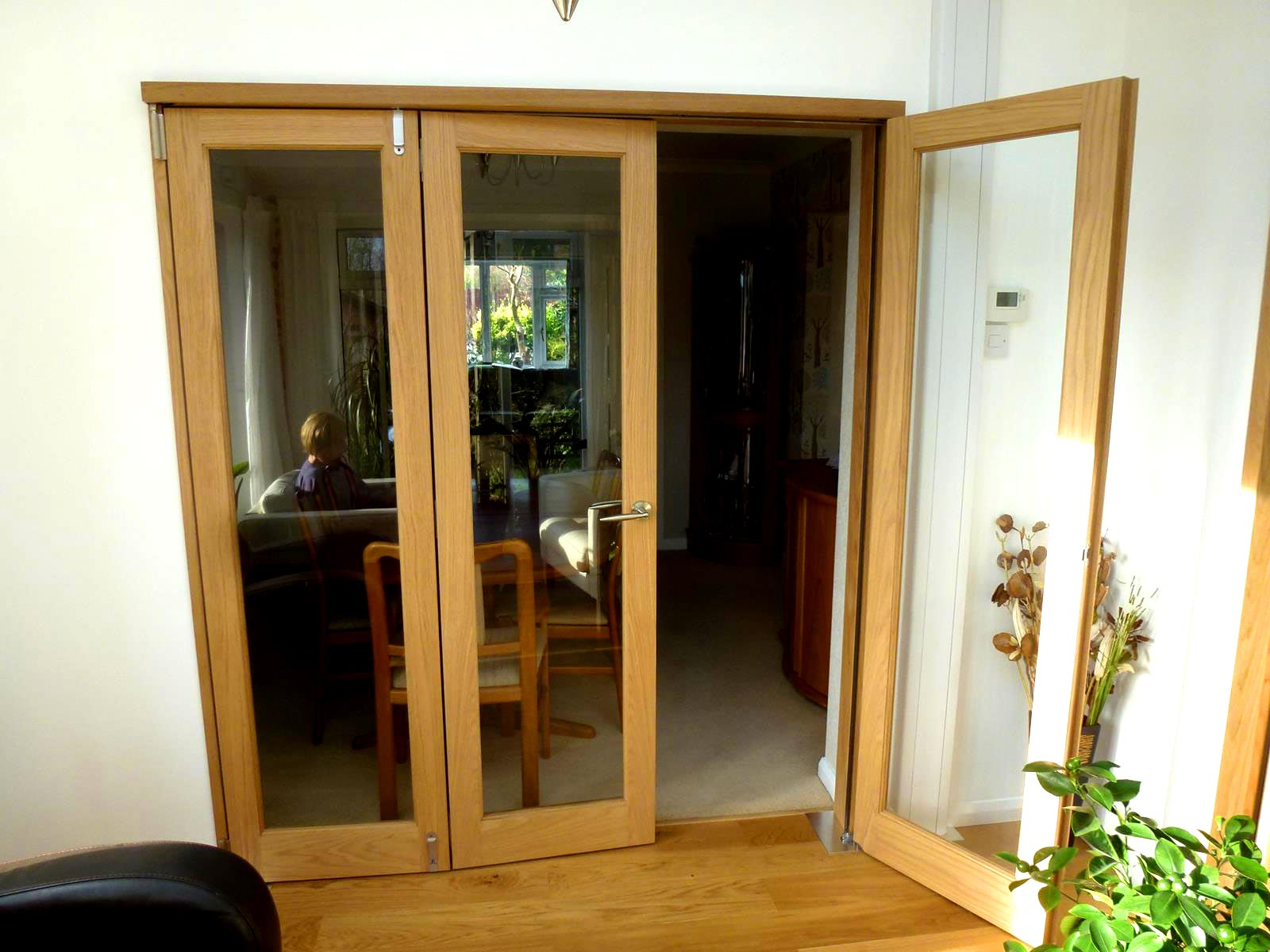Inspire 18M Internal Folding Room Divider Door Connecting Sun To Lounge