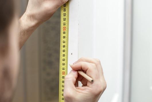 Messuring front door