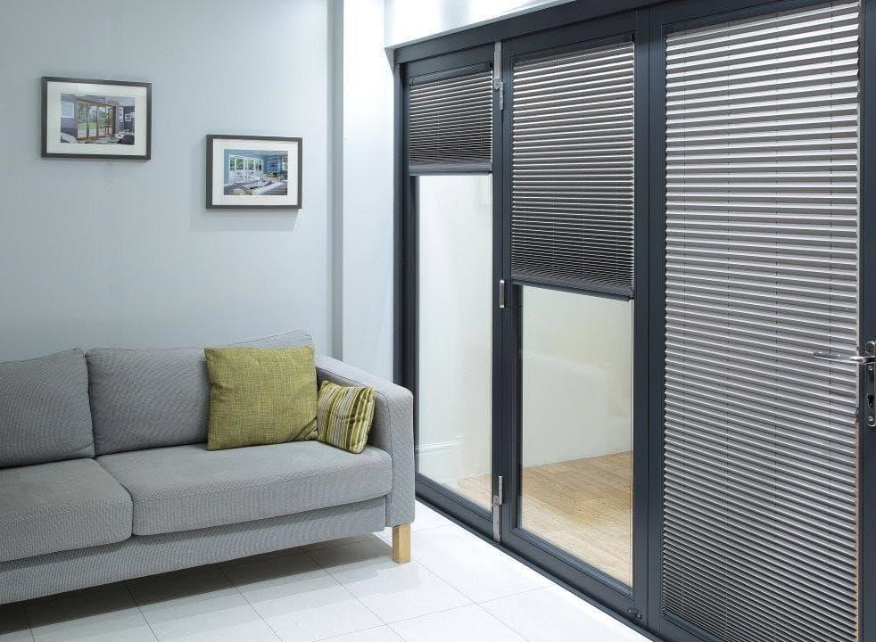 Bifold door with blinds