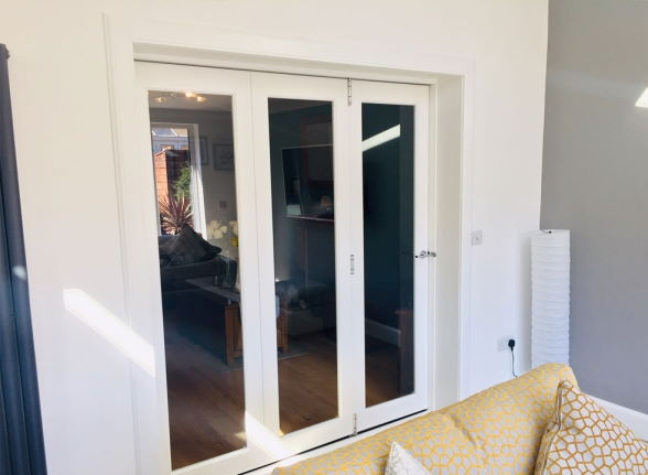 Closed Finesse White 1.8M Internal bifold doors