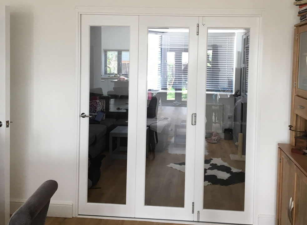 Closed Finesse 1.8M White Internal Bifold doors