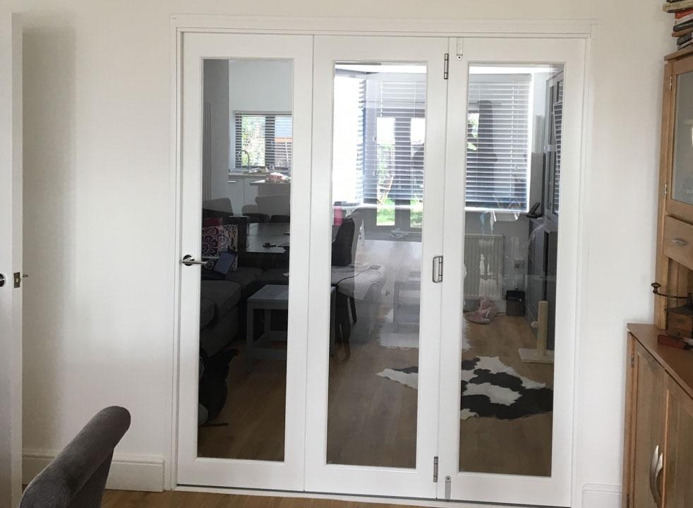 Closed Finesse 1.8M White Internal Bifold doors