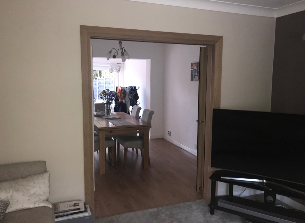 Fully open Inspire internal bifold doors into the dining room